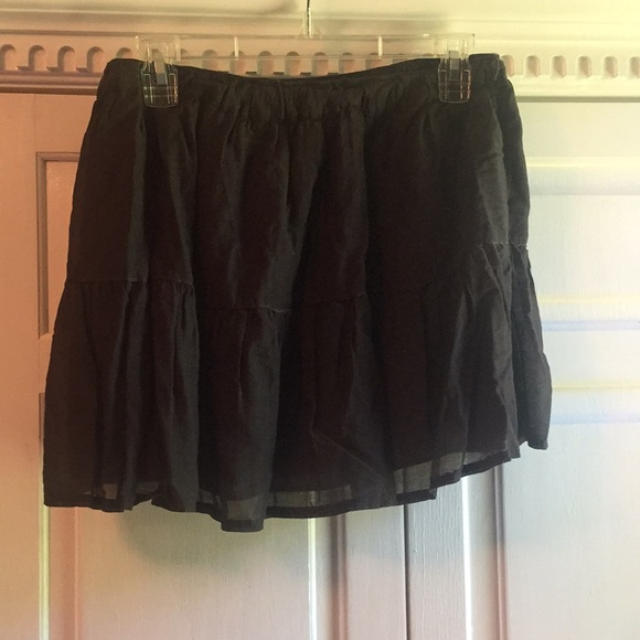 Abercrombie & Fitch Dresses & Skirts - BLACK ABERCROMBIE AND FITCH PEASANT SKIRT